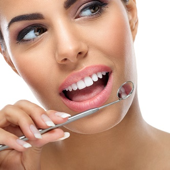 Clinica Exclusiva Invisalign Doctora Mariana Sacoto Navia Ortodoncia transparente sin hierros