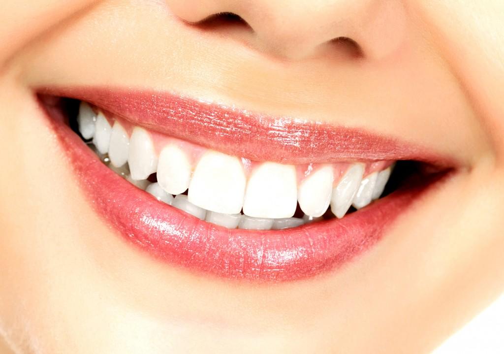 Clínica Mariana Sacoto Navia, estética de la sonrisa, ortodoncia invisible Barcelona
