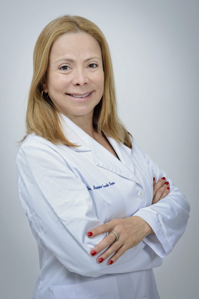 Doctora Mariana Sacoto Navia, ortodoncista exclusiva Ortodoncia Invisalign