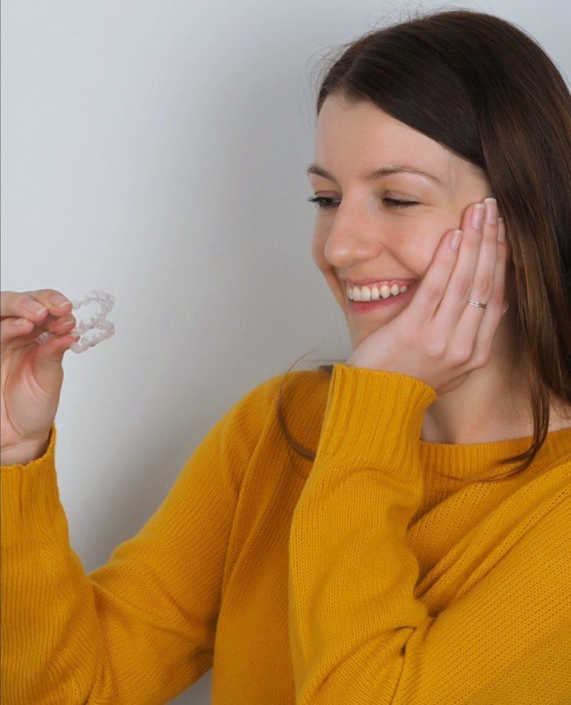 Clinica Exclusiva de Ortodoncia Invisible Invisalign Barcelona Doctora Mariana Sacoto Navia
